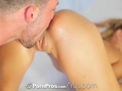 Picture PornPros - Lola Reve s skinny ass is massage...