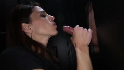 amateur glory hole deepthroat and cum swallow