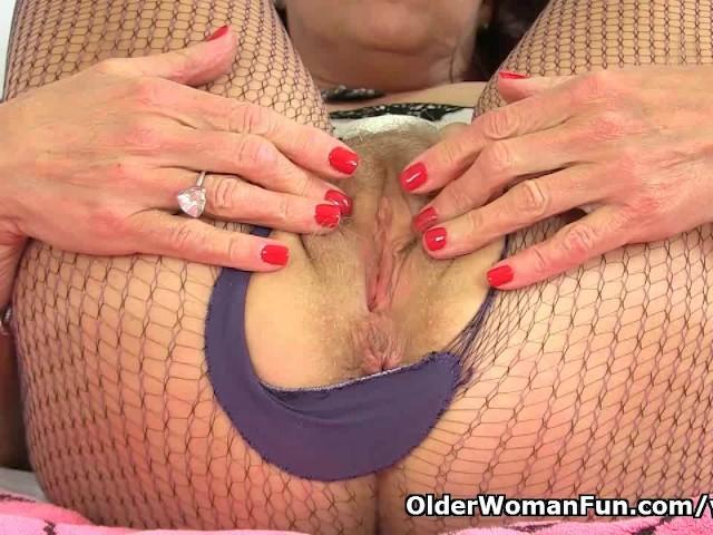 British Granny Georgie Stuffs Her Pussy With Banana - Free ...