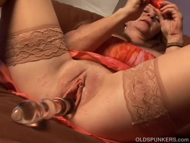 young american naked milfs