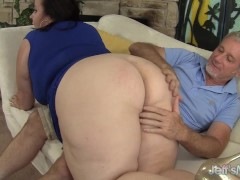 Picture Big titted mature BBW Lady Lynn gets her pus...