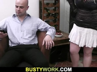 He is licking her fat pussy before fucking