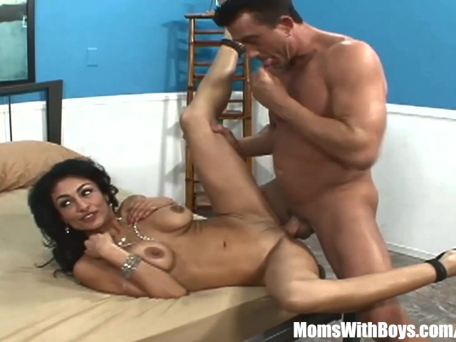 Watching My Wife Eat Pussy