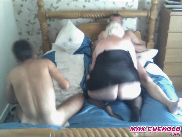 Mature Wife Cuckold Creampie