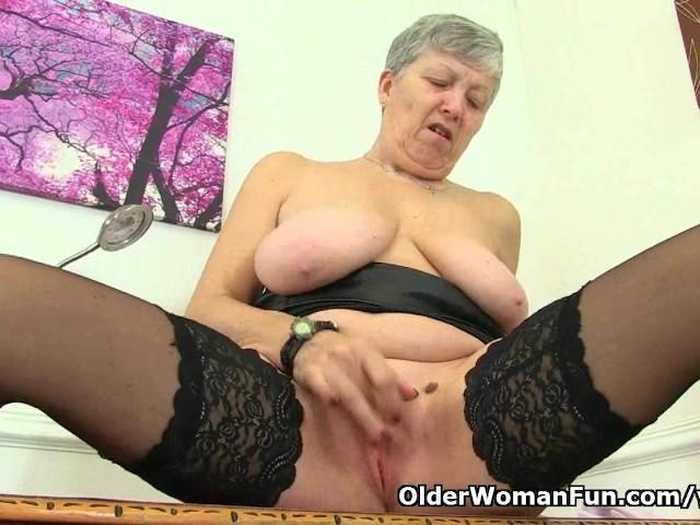 English Granny Savana Is Fingering Her Old Pussy - Free -2570