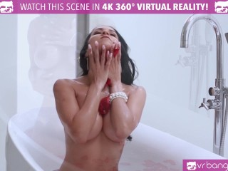 VR Bangers - Hot Brazilian Chick Rubbing her WET PUSSY in The Tub