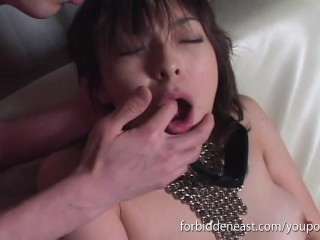 Kinky Oriental girl gets her pussy fucked deep with vibrating sex toy