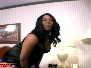 Black tranny wonder shows off her ample ass