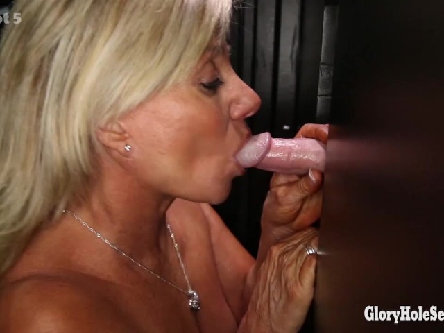 Gloryhole Secrets Mature Blonde Shows Off Her Years Of -6831