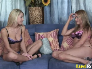 Pussy-pleasing with Kelly Skyline and Sammie Rhodes