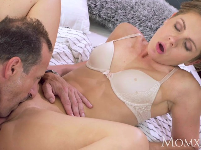 Brunette Milf Morning Creampie