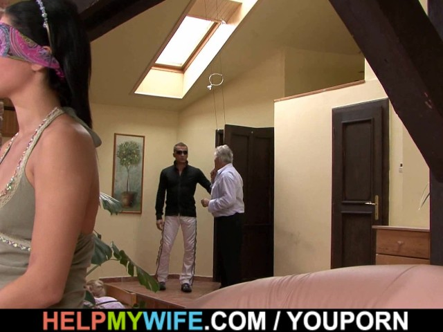 Amateur Wife Loves Cuckold