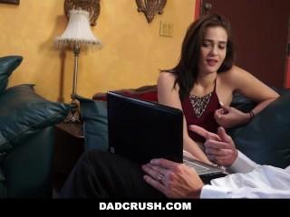DadCrush - Step-Daughter Twerks For Dad