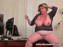 Picture BBW milf Kimmie KaBoom shows off her secreta...