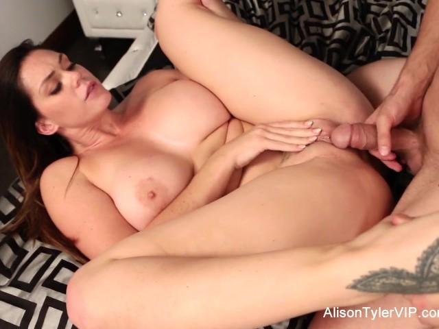 willa holland porn video