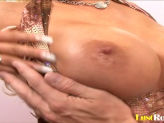 Hot cumshot for the sexy blonde Candy Manson.mp4