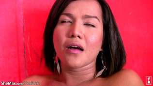 คลิปโป๊ คลิปหลุดฟิลิปปินส์ XXX  Filipino ladyboy with pretty face fondles tits and strokes