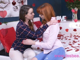 Lesbea German teen redhead valentine 69 and scissors with older woman