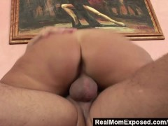 Picture RealMomExposed - She s ravenous for a load a...