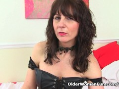 Picture Scottish milf Toni Lace will tell you how to...