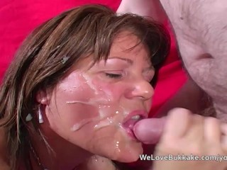 Mature British amateur taking facials