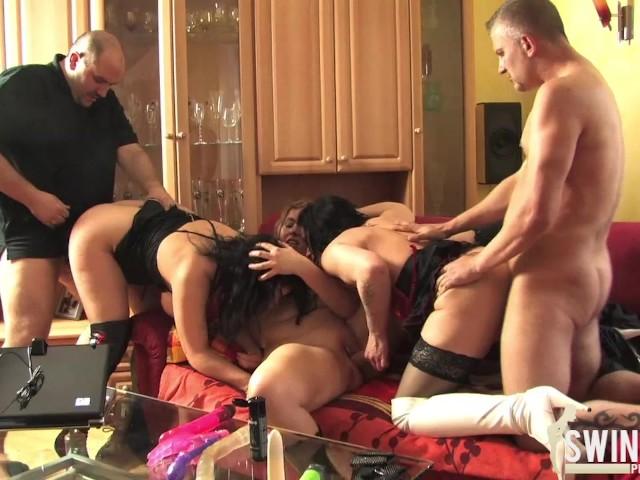 brunette porno gruppensex