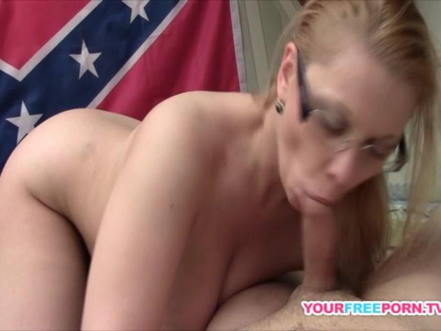 Redneck Milf Shows Her Blowjob Skillsmp4 - Free Porn Videos - Youporn-7969