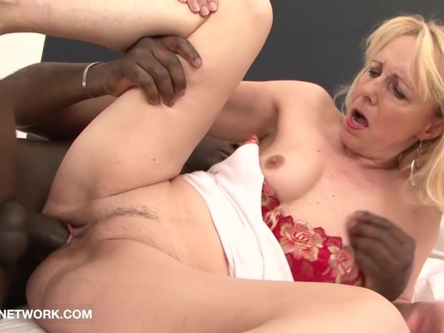 Mature Ebony Taking Dick