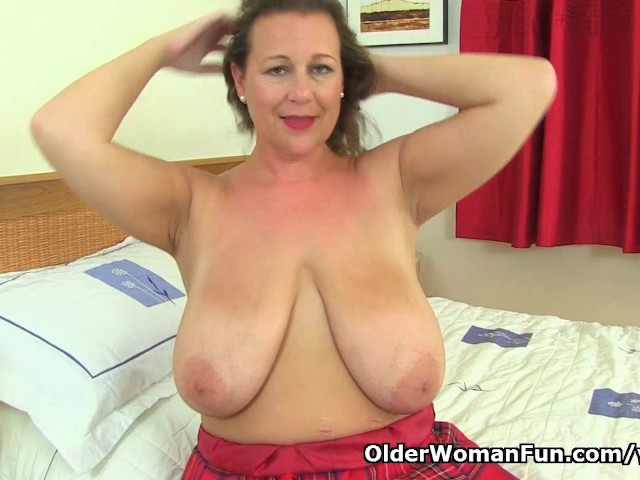 Busty And British Milf Eva Jayne Stuffs Her Fuckable Cunt -4327