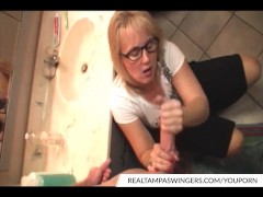 Picture Hottie Wives Roberta Gives Perfect Handjob