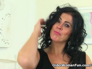 Curvy milf Montse Swinger fucks herself with a large dildo