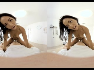 VR PORN-Sexy Brunette Finger Her Pussy And Cum Hard