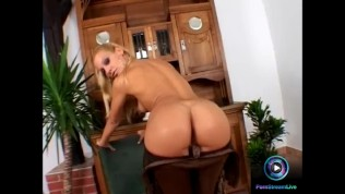 Fine blonde Sandy flaunts her ass