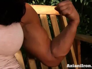 Fitness model gets naked and rubs her pussy
