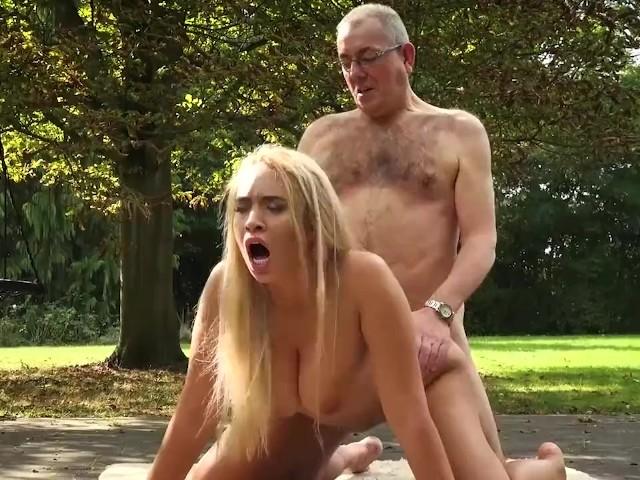 Sexy Teen Big Natural Tits