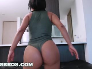 BANGBROS - Carolina Rivera Shows Off Her Huge Colombian Ass (cff15869)