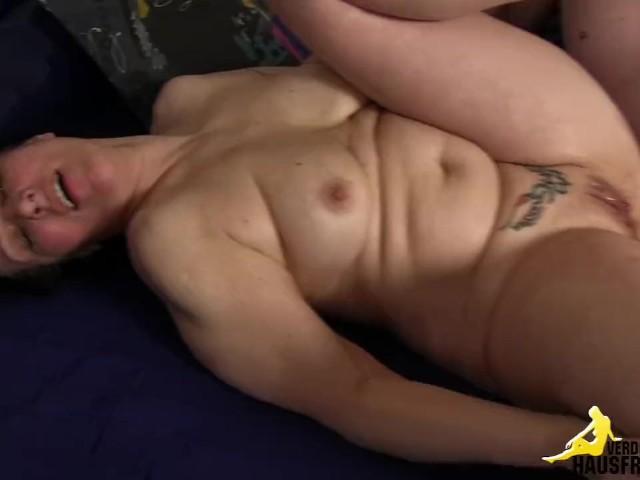 Nude blonde women