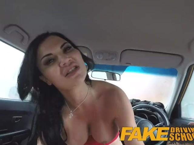Fake Taxi Überraschung Creampie