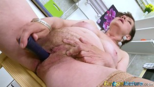 granny pussy video