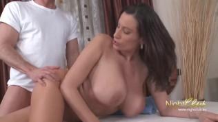 Big Tits Mature fucked during massage