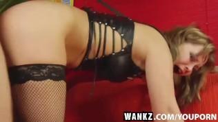 WANKZ- Older Hottie Maria Loves It