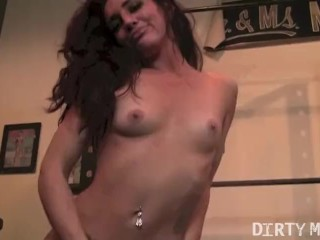 Tattooed Fitness Girl Fucks a Dildo in the Gym