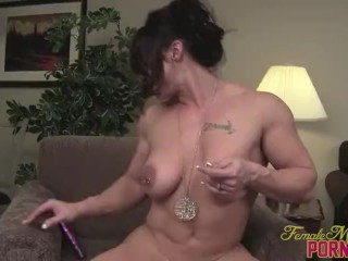 Nude Female Bodybuilder Fucks Her Pussy With A Dildo