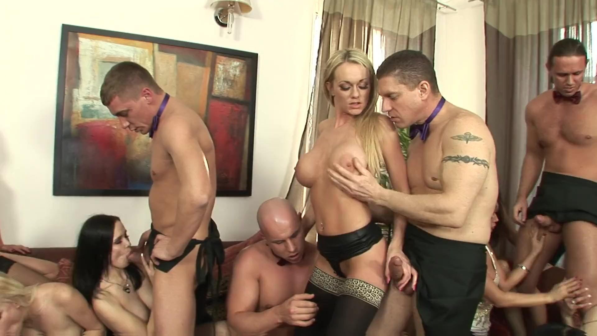 Mom pissing on son