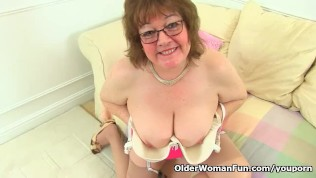 British granny Susan still knows how to pleasure her wet cunny