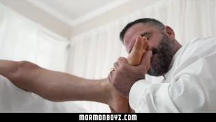 Mormonboyz - Man cums on young stud's hole