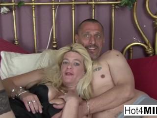 Blonde MILF lets him cum in her pussy