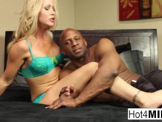 Sexy MILF Simone returns for more black cock