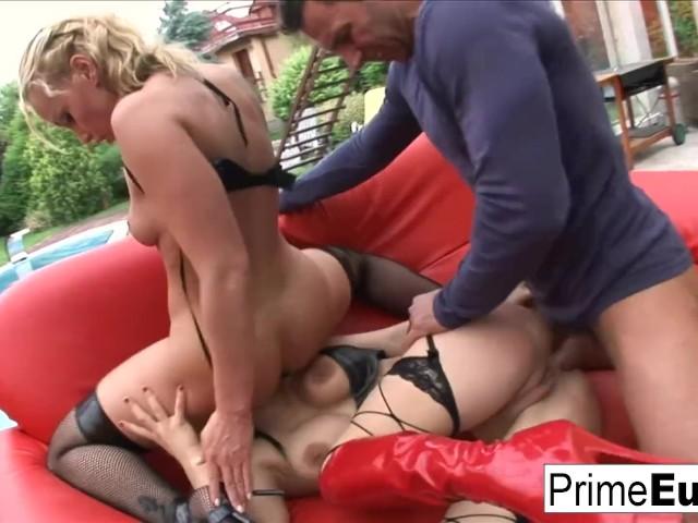 Hot Italian Anal Threesome