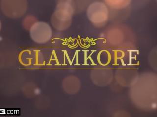 Glamkore - Lesbian lovers Luna & Cayla seduce male friend into a threesome
